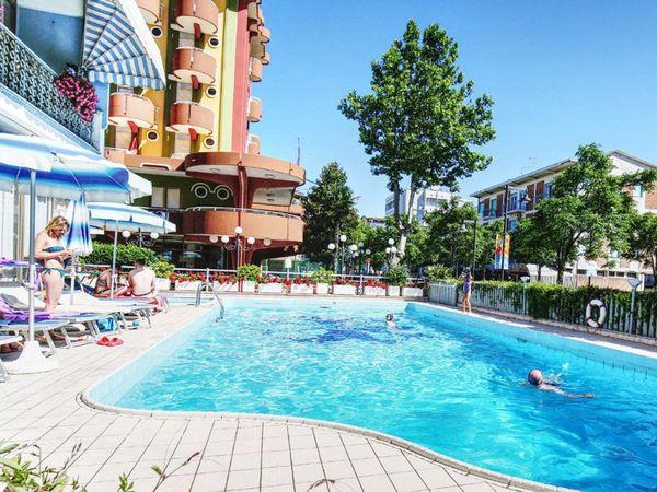 Hotel Capitol - Piscina