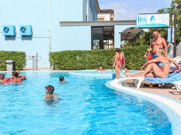 Hotel Adriatico Family Village - Piscina
