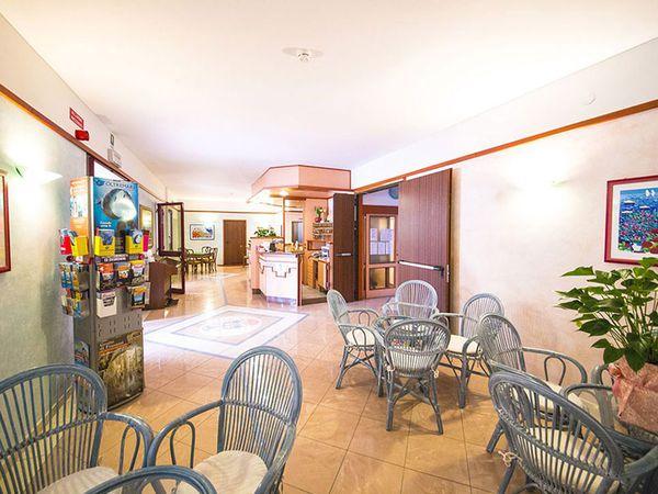 Hotel Rosa - Hall
