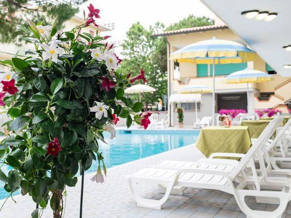 Hotel Simon - Piscina